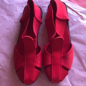 Shoes - New red stretchy sandals (nwot)